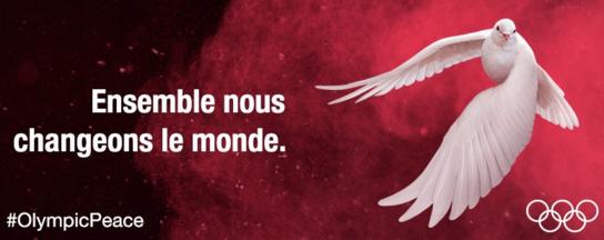 Une colombe pour la paix ou l'épée?