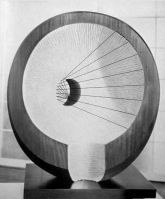 Barbara Hepworth, Hollow Form With White interior, 1963