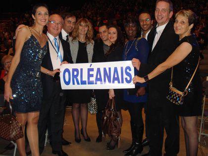 Une partie de l'équipe du Comité Miss Orléanais et les parents de Miss France 2014