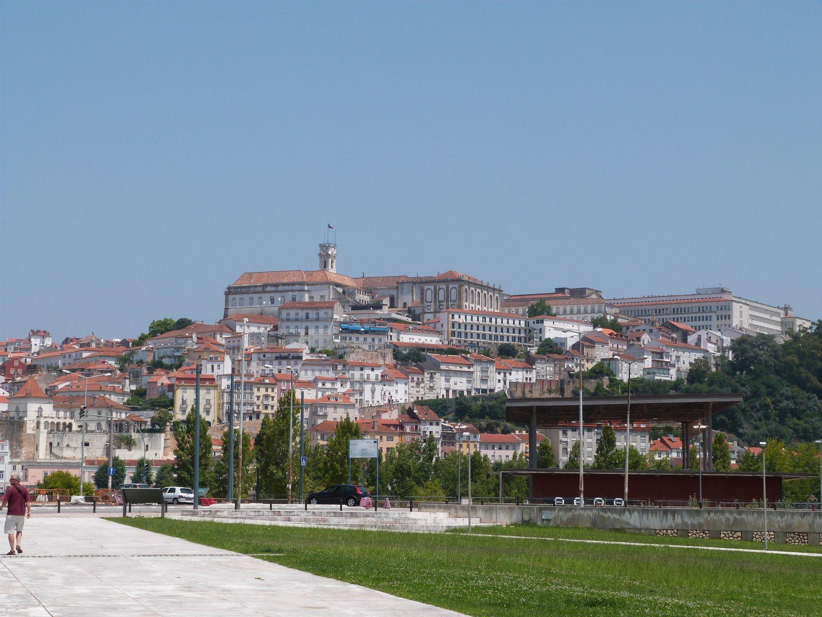 L'Université vue de l'autre côté du Rio Mondego