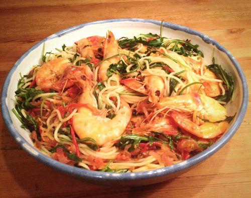 Spaghetti mit Garnelen, Tomaten & Rucola