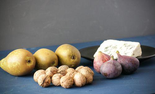 Tartelettes mit Birnen, Feigen, Roquefort & karamellisierten Walnüssen
