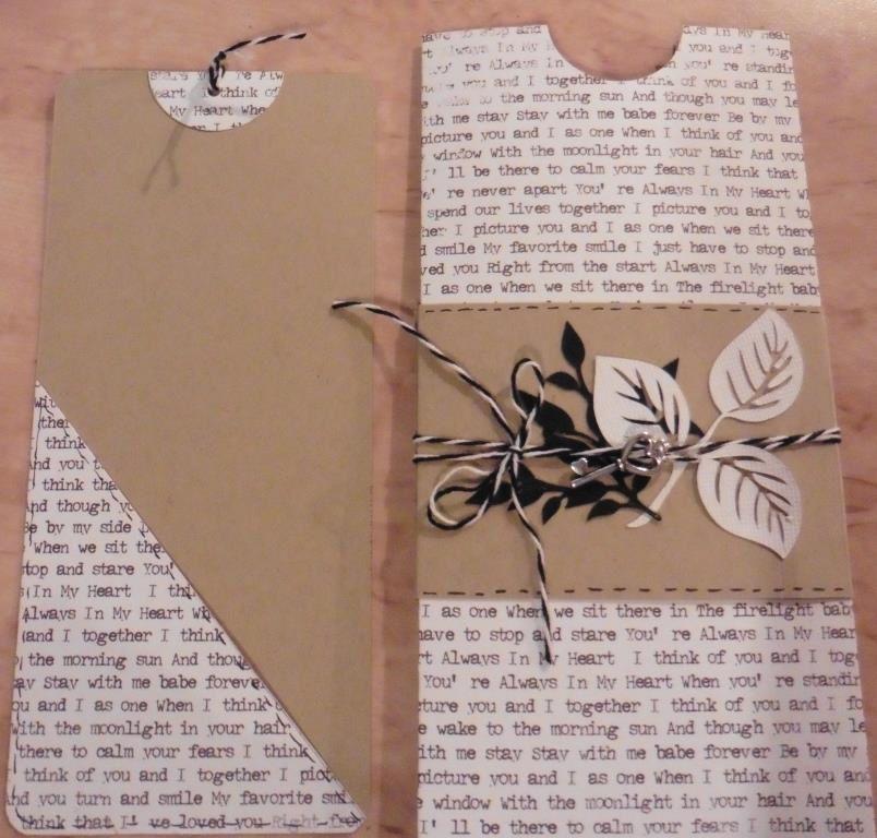 le triangle sur le recto du tag permet de glisser, un chèque, un billet, un bon cadeau..... et au verso du tag, un petit mot....