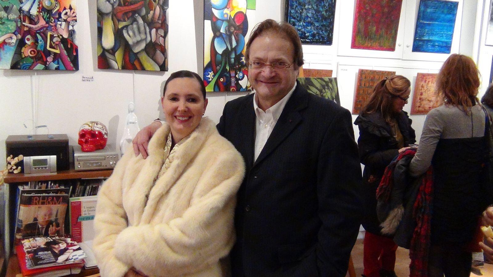 Isabelle & Jean Pierre Lorriaux, son galeriste au Village Suisse&#x3B;