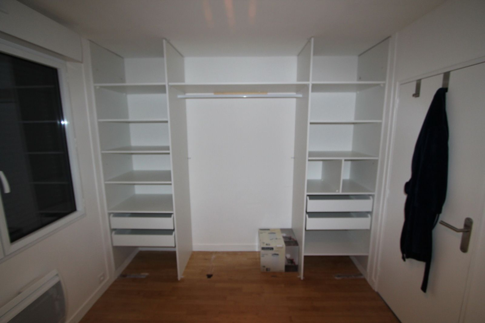 Am nagement du dressing r novation en ille et vilaine - Ikea amenagement dressing ...
