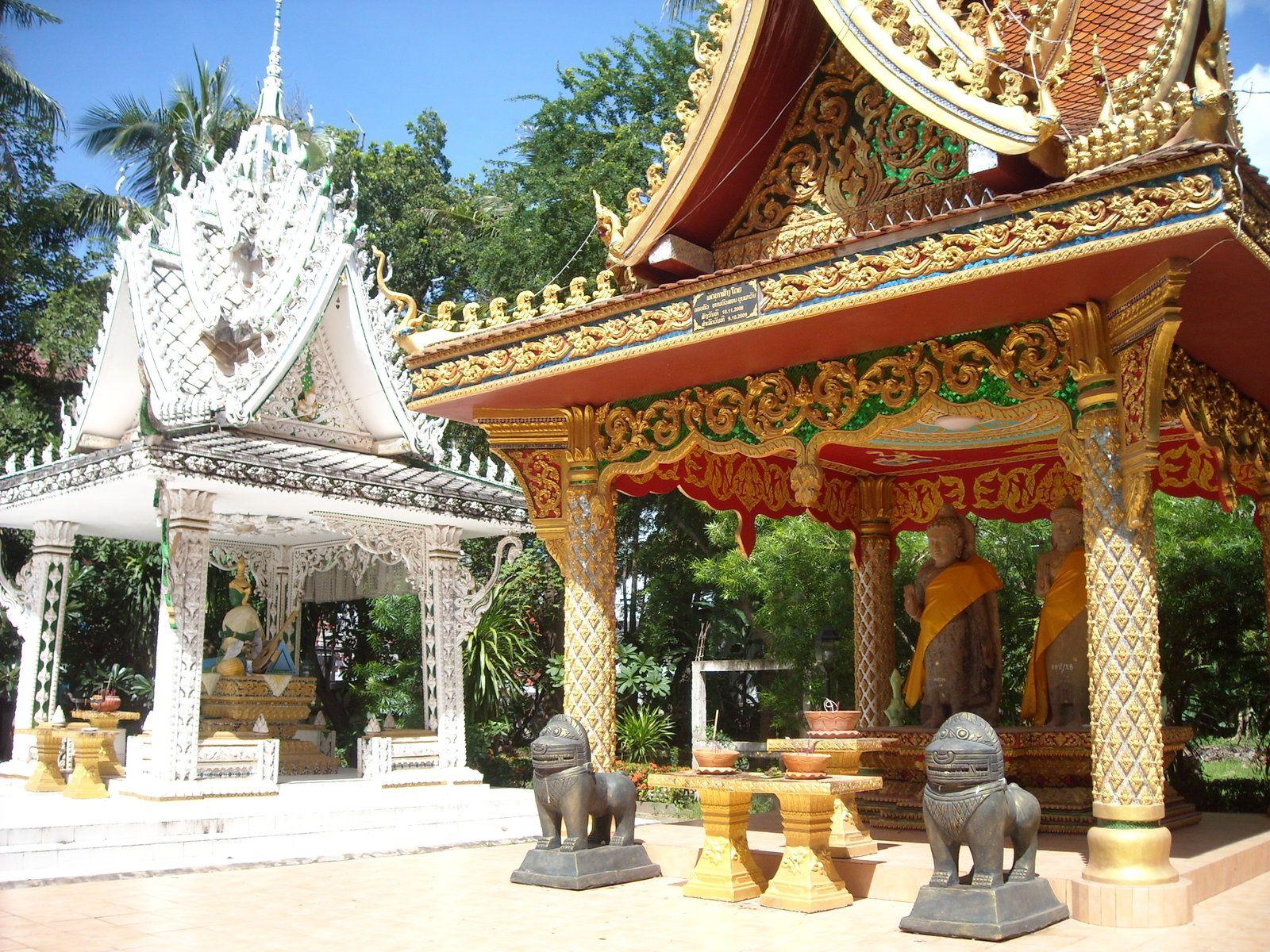Temples ici et là!