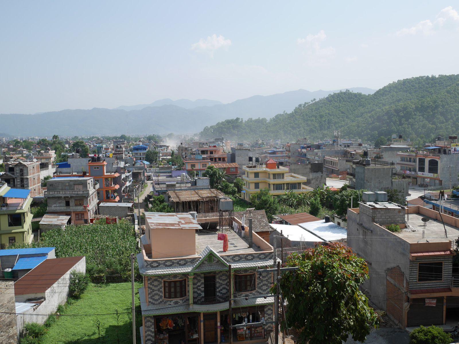 1. Concept marketing intéressant pour du riz...  2. à 23. Old Pokhara, entre temps et jolies maisons  24. à 26. Waouh la montagne!