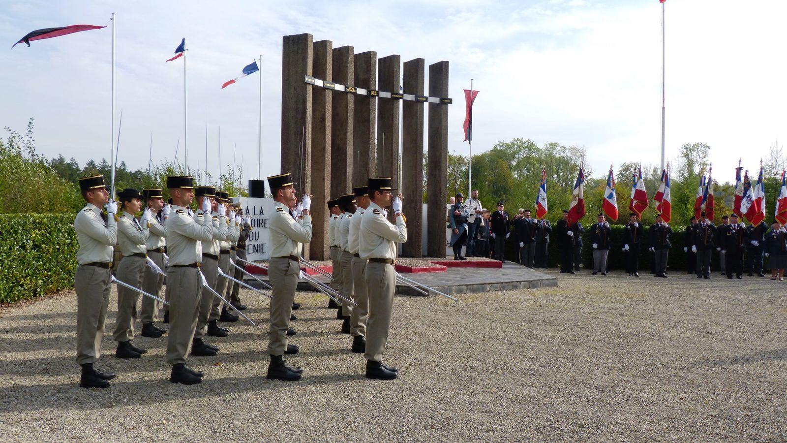 """Le monument """"à la Gloire du Génie"""" dans la forêt ds Eparges"""