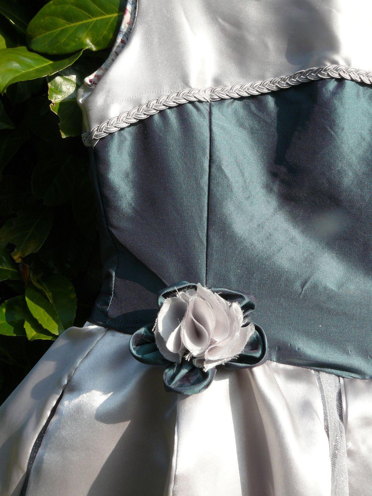 Robe de fée en taffetas vert et sa baguette magique