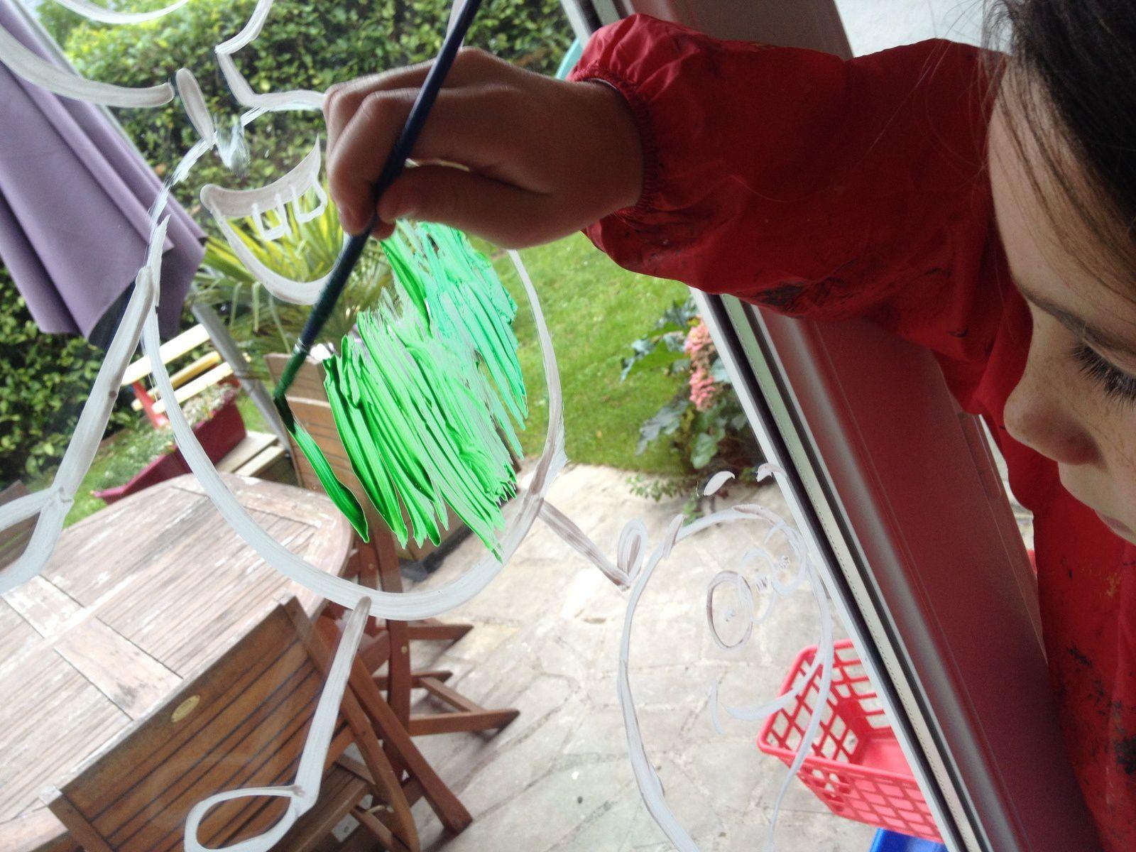 peinture sur fenetre, gouache et liquide vaisselle