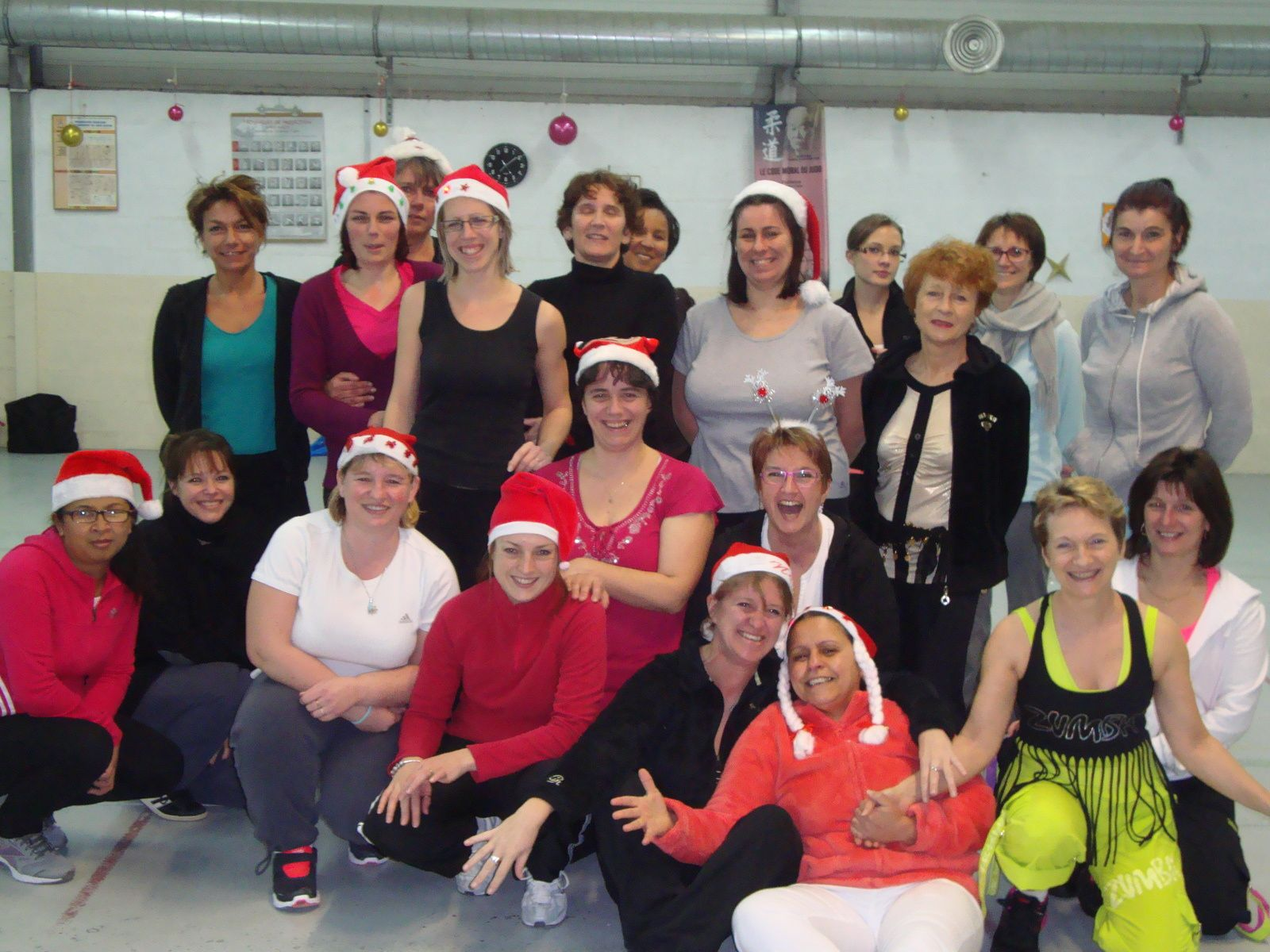 Zumba de noel suite association de gymnastique - Dress code rennes ...