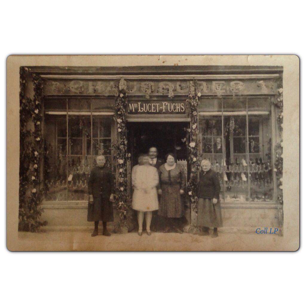 Les commerces Israélites à Paris au début du XX eme siècle à partir de cartes postales