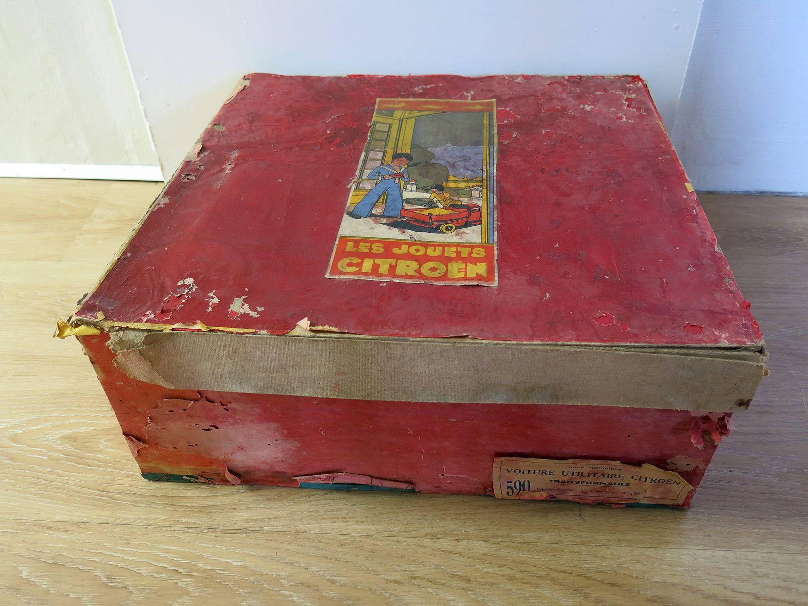 restauration de boîtes de jeux anciens (jouet CITROEN)
