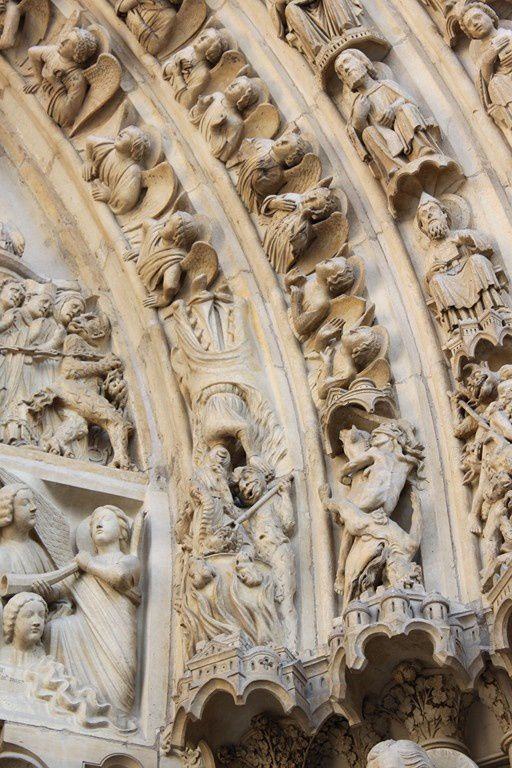 Notre-Dame de Paris et la crypte archéologique