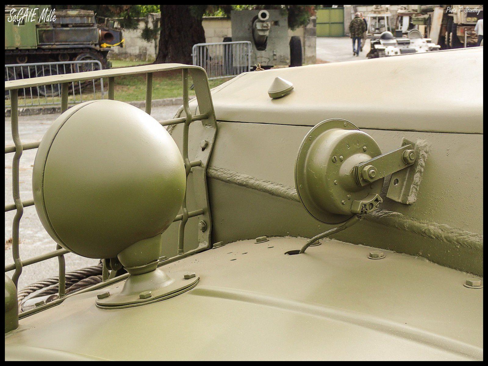 BTR 152. ( + la version sanitaire maquette Skif 1/35 )