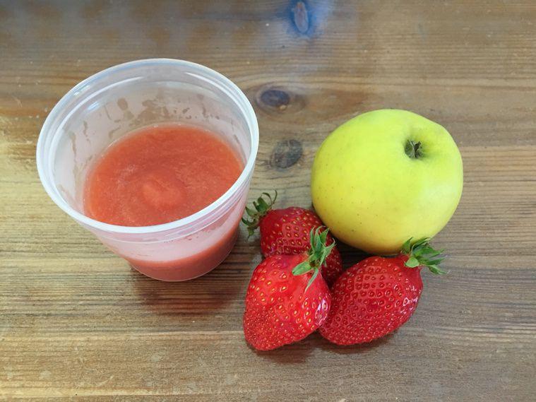 Compote pomme-fraises pour bébé
