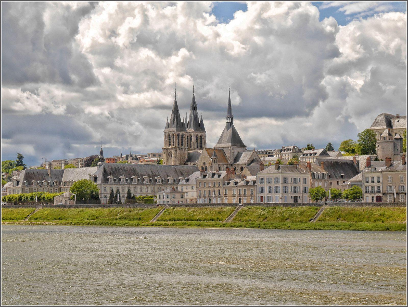 La loire et la cathedrale
