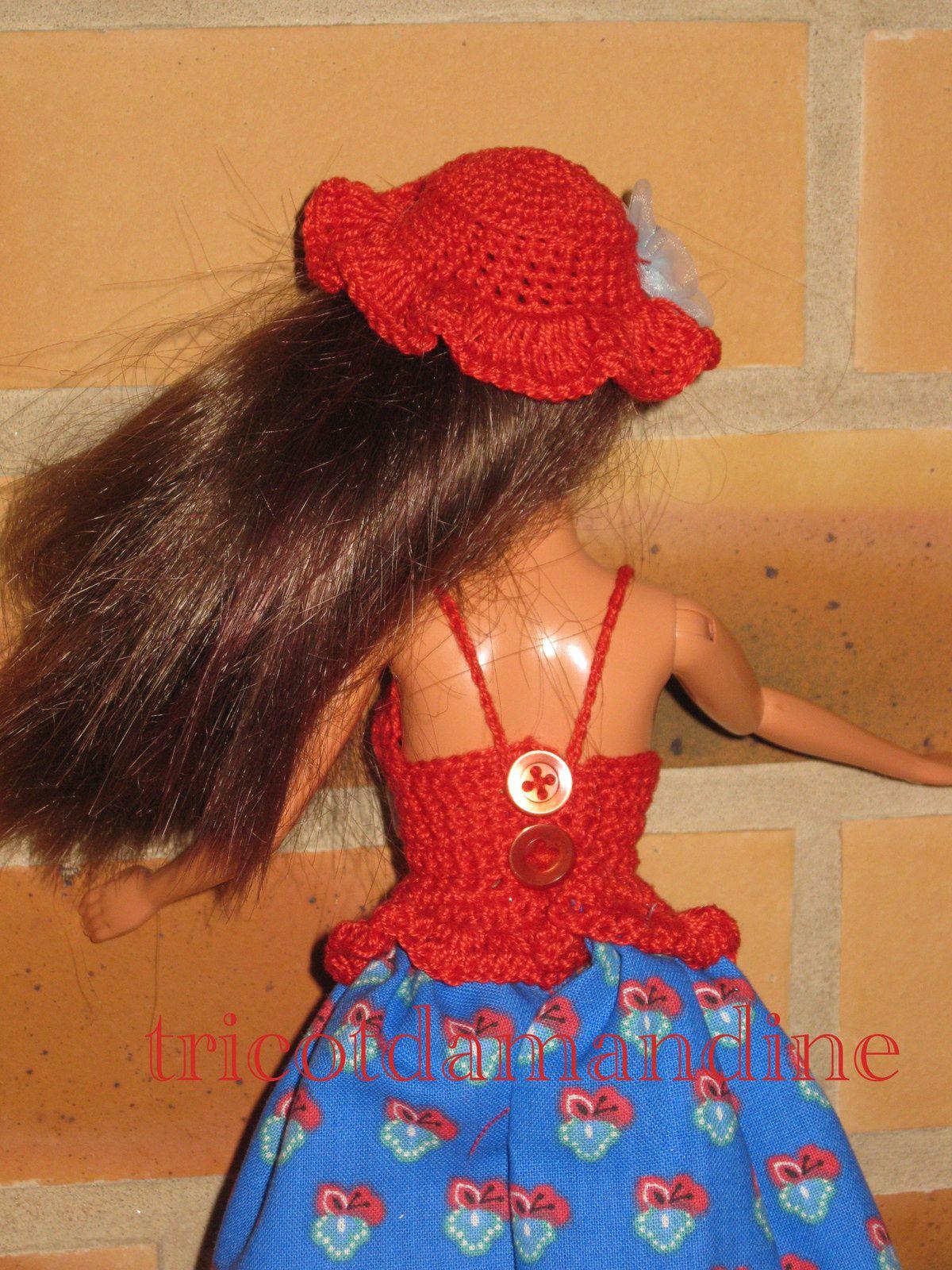 détail en photo de la tenue barbie mystère ...
