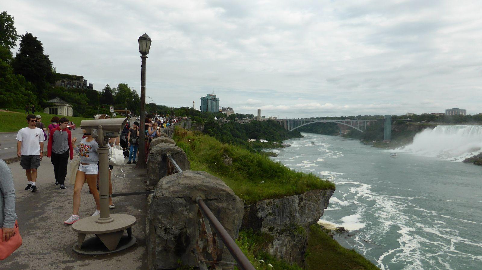 canada puis après le pont les U.S