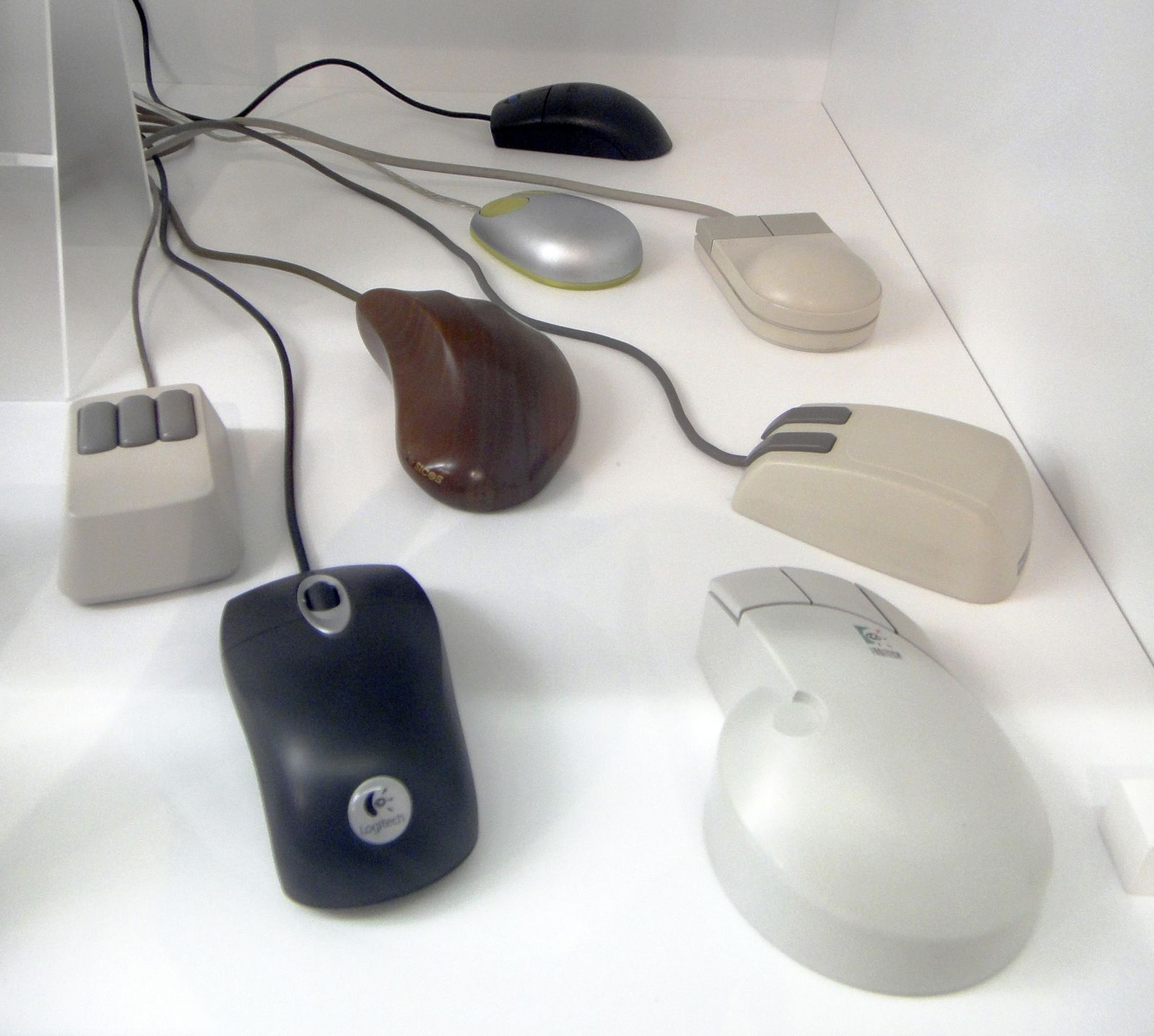 © Assorted computer mice - MfK Bern by Sandstein - Creative Wikimedia Commons