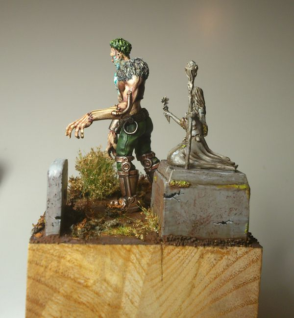 The Pride Of Frankenstein, Carnevale. Echelle 28mm, Un peu plus de 40mm de hauteur.