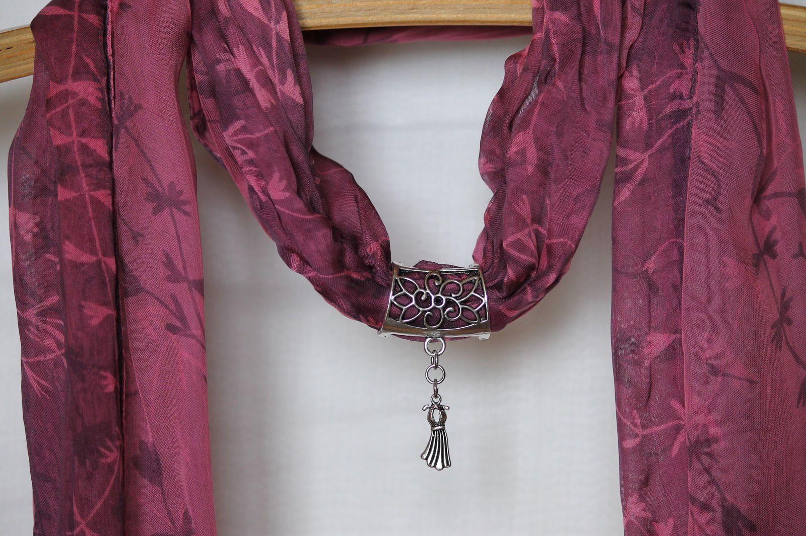 Bijoux foulard
