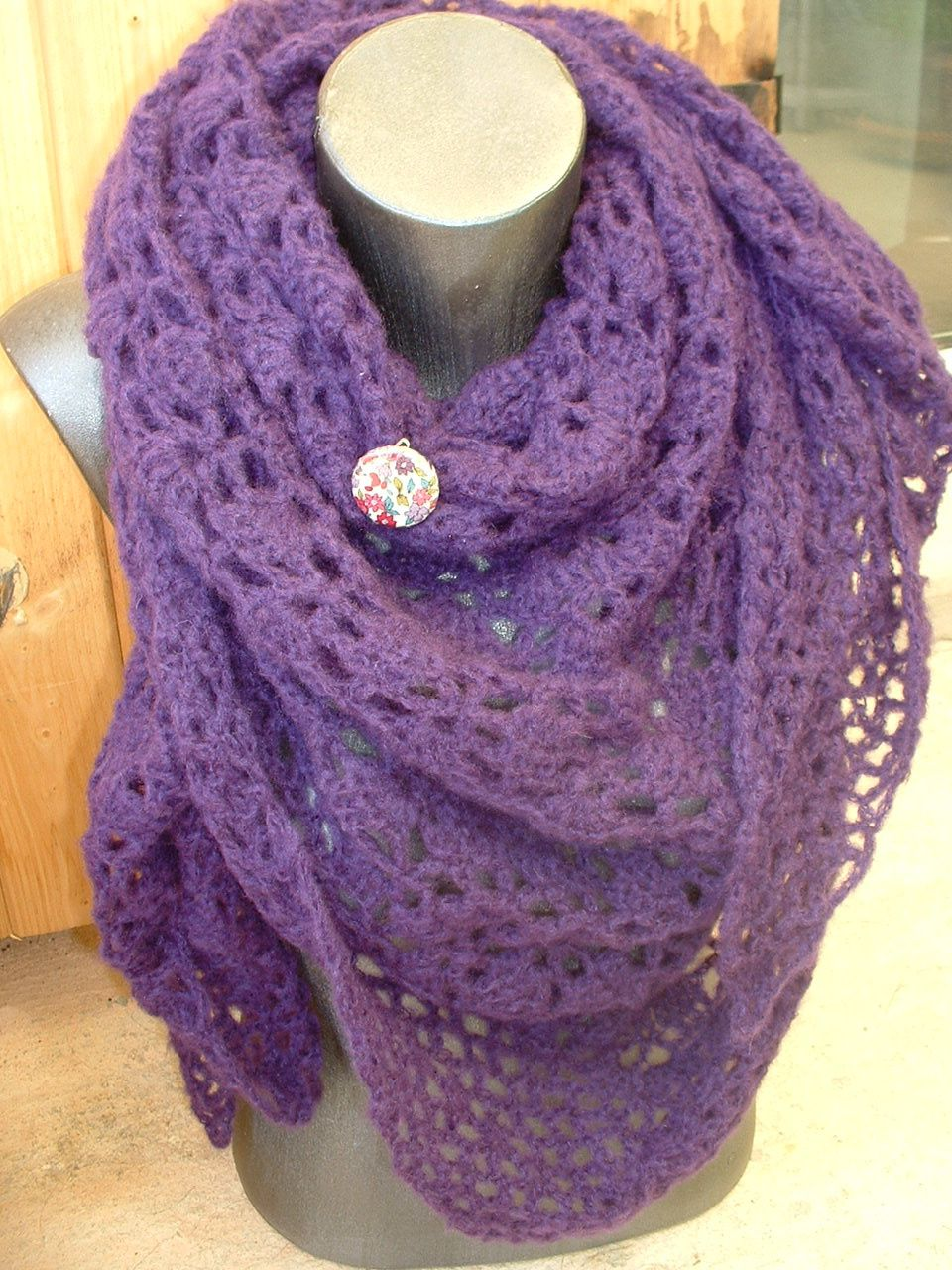 châle en PHIL LIGHT colori violet, c'est chaud, léger et très douillet