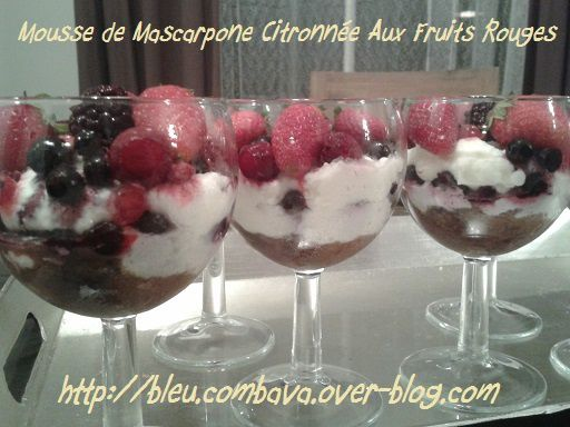 mousse de mascarpone citronn e aux fruits rouges ma cuisine bleu combava. Black Bedroom Furniture Sets. Home Design Ideas
