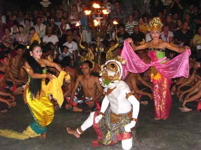 Bali - Uluwatu - Kecak Fire Dance