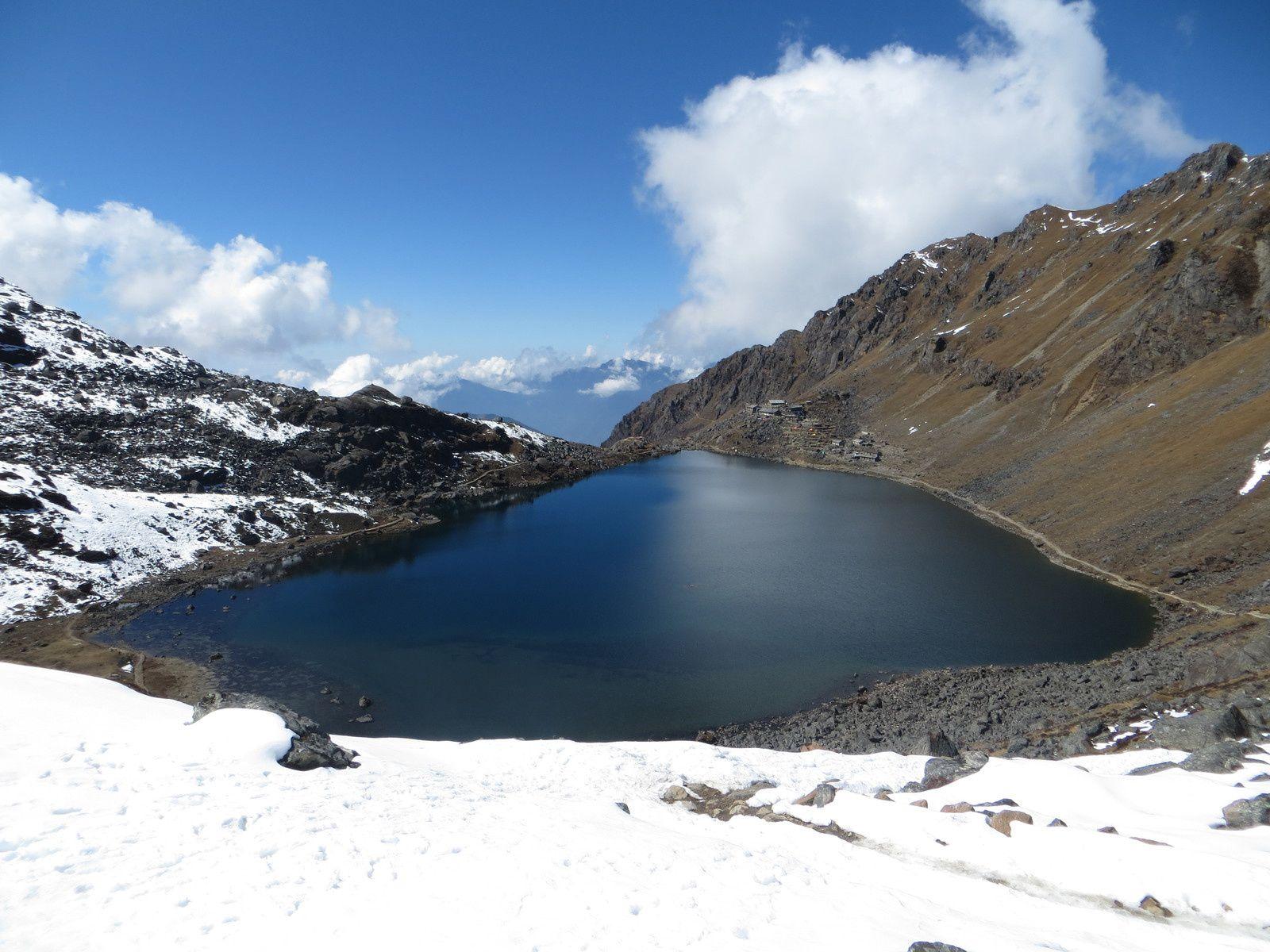 Shin Gumba, Gosain Kund, passage au Laurebina Pass (4610m), à côté du lac Surya Kund