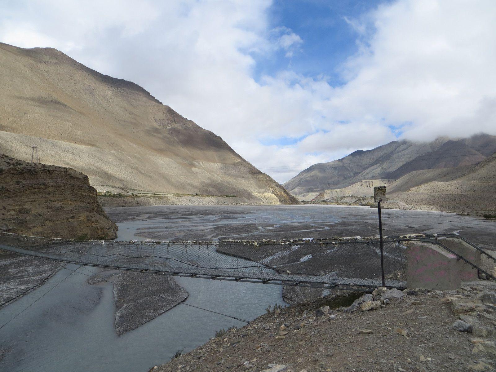 Entrée dans le Mustang, photos prises à Muktinath