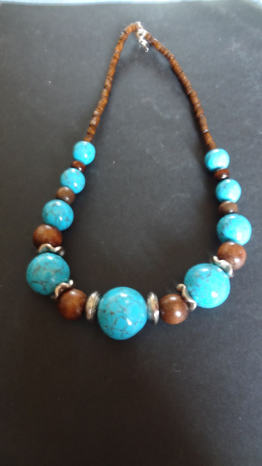 collier boulesturquoise