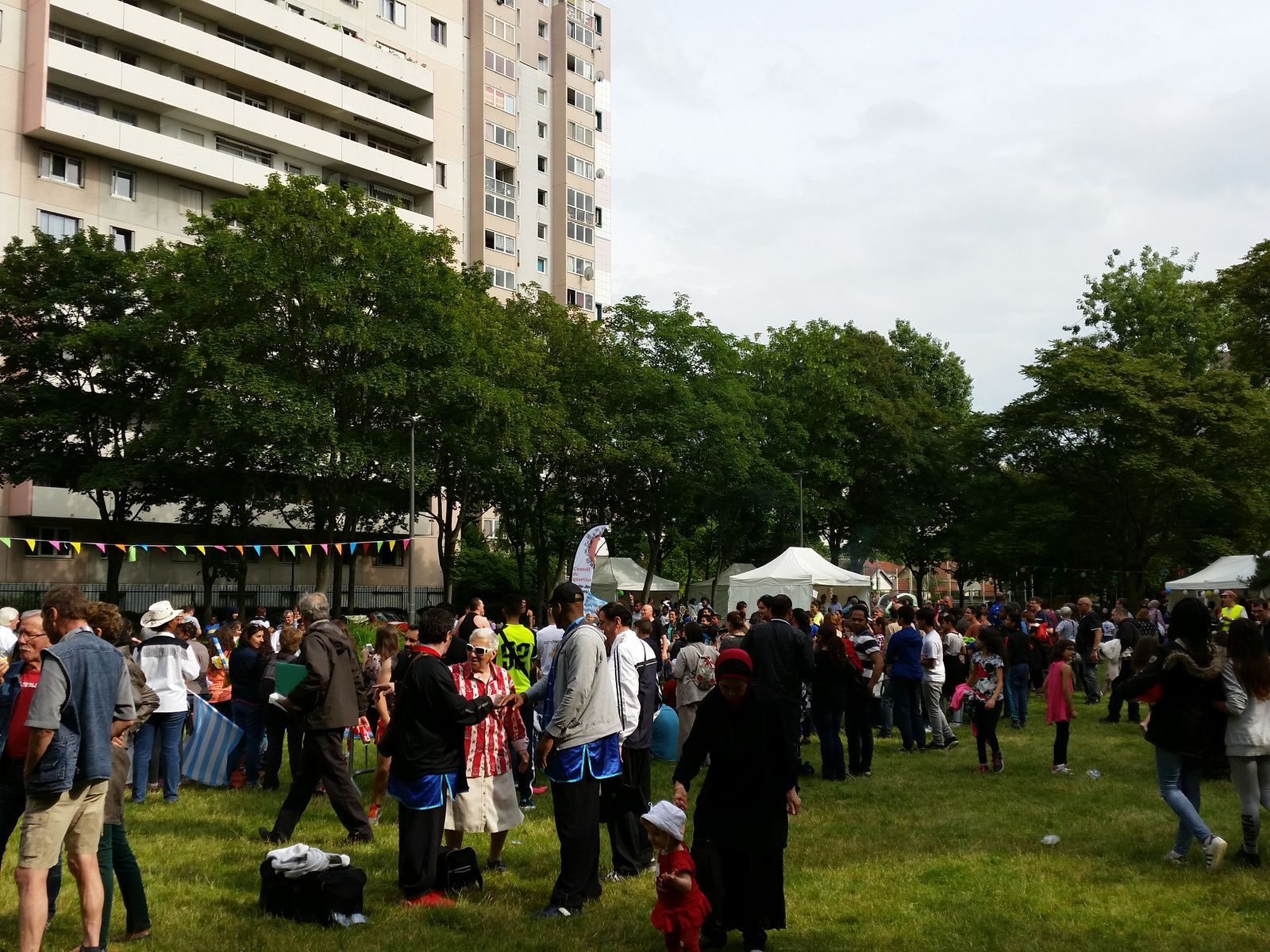 COLOMBES fête les 40 ans du CSC des FOSSES JEAN - PARC CAILLEBOTTE