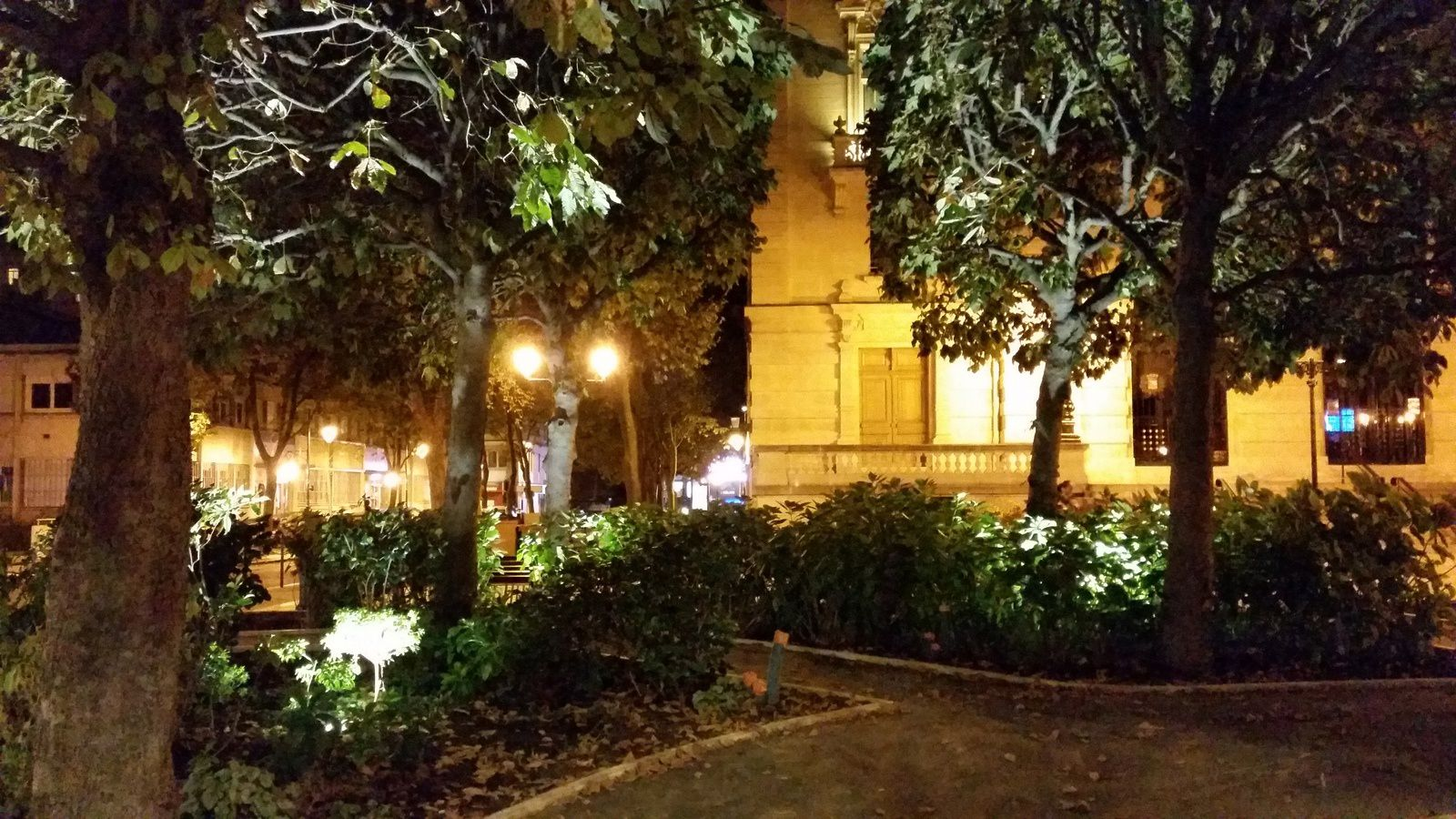 La Mairie de Colombes by night : c'est bien joli !