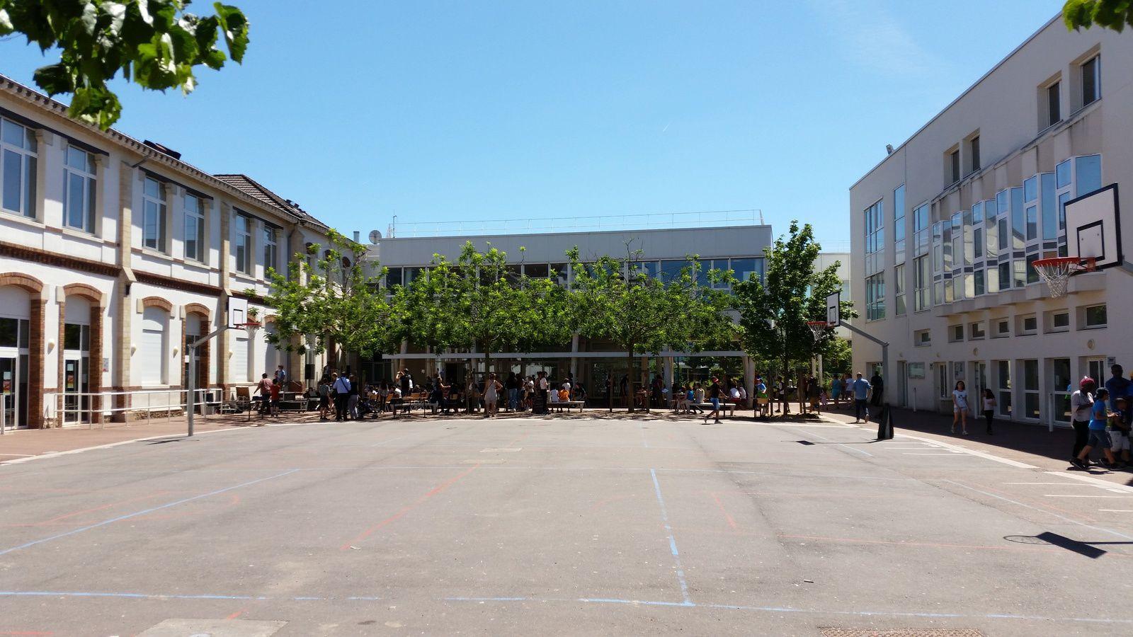 ATTENTION : dossier d'inscription en 6 ème au collège LAKANAL  ATTENTION : 203 demandes pour 180 places en 6ème