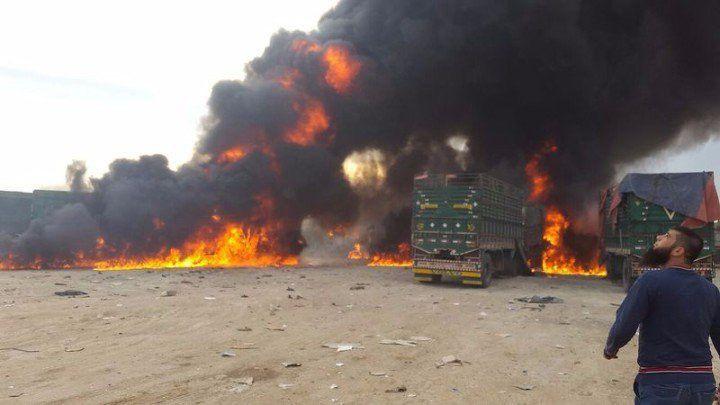 Vidéos -  Russia Targets Turkish Lorries As They Enter Syria + La Russie détruit un convoi turc et Erdogan se tait + SAA Liberates Villages and Hills in Northern Latakia - New Videos