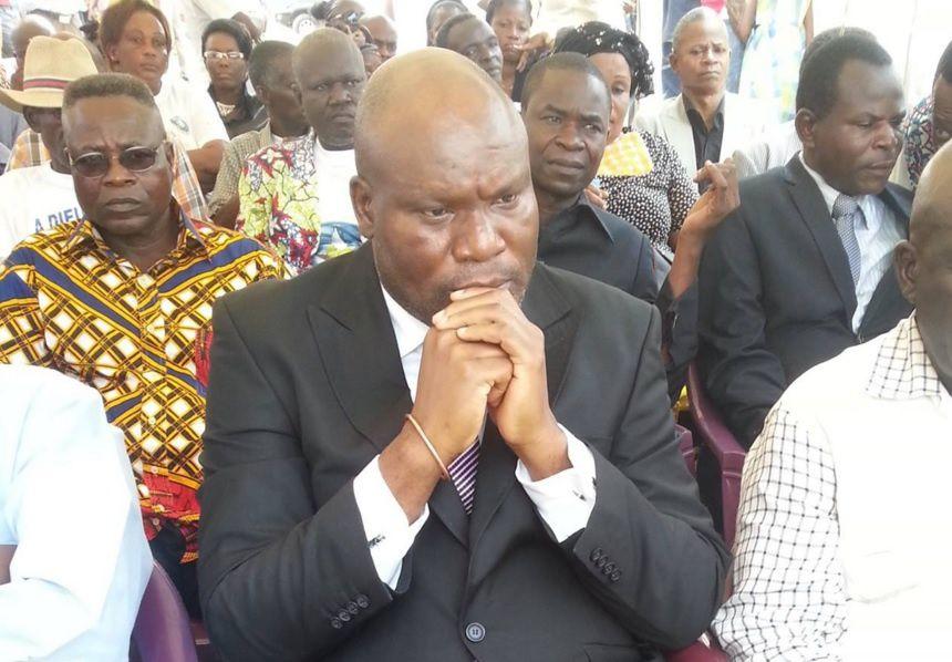 Pourquoi Paulin MAKAYA, chef de parti politique au Congo-Brazzaville a été emprisonné ? (remis à jour)