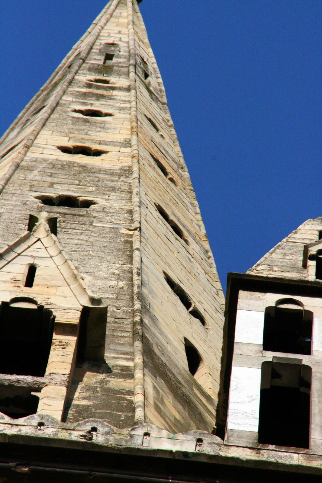 CALAIS: L'église de la place Crèvecoeur