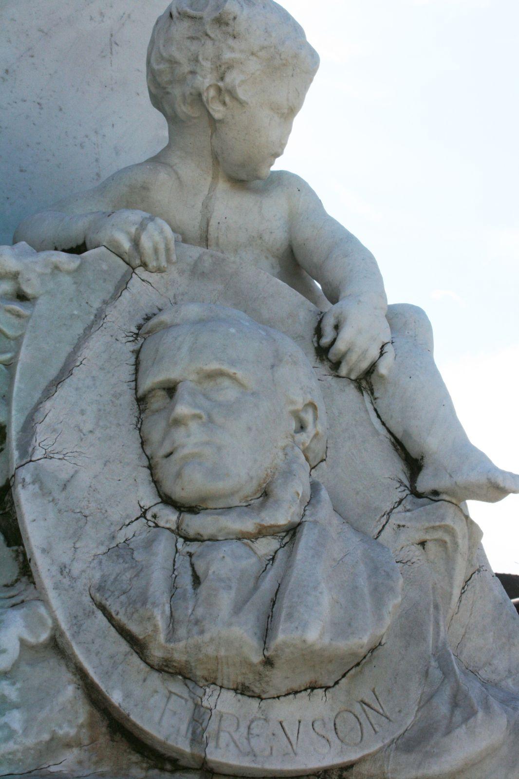 La statue de Jacquard de Calais