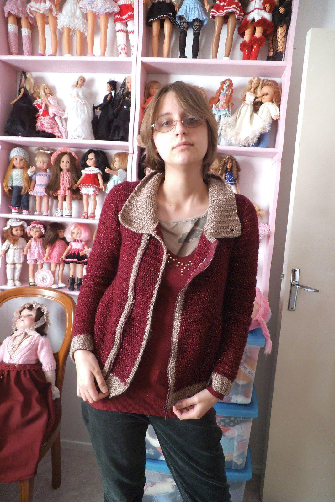 une veste bicolore au crochet