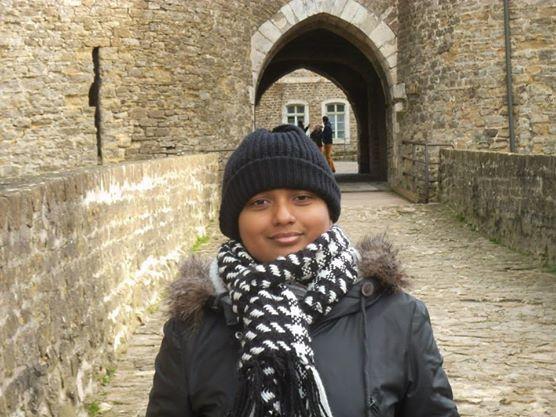 Imali à l'entrée du château