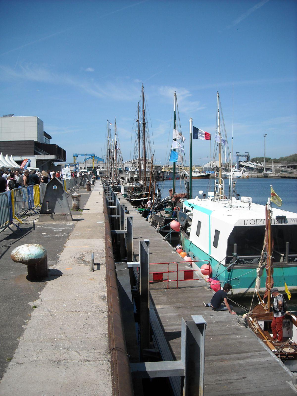 sur le port de Boulogne sur mer