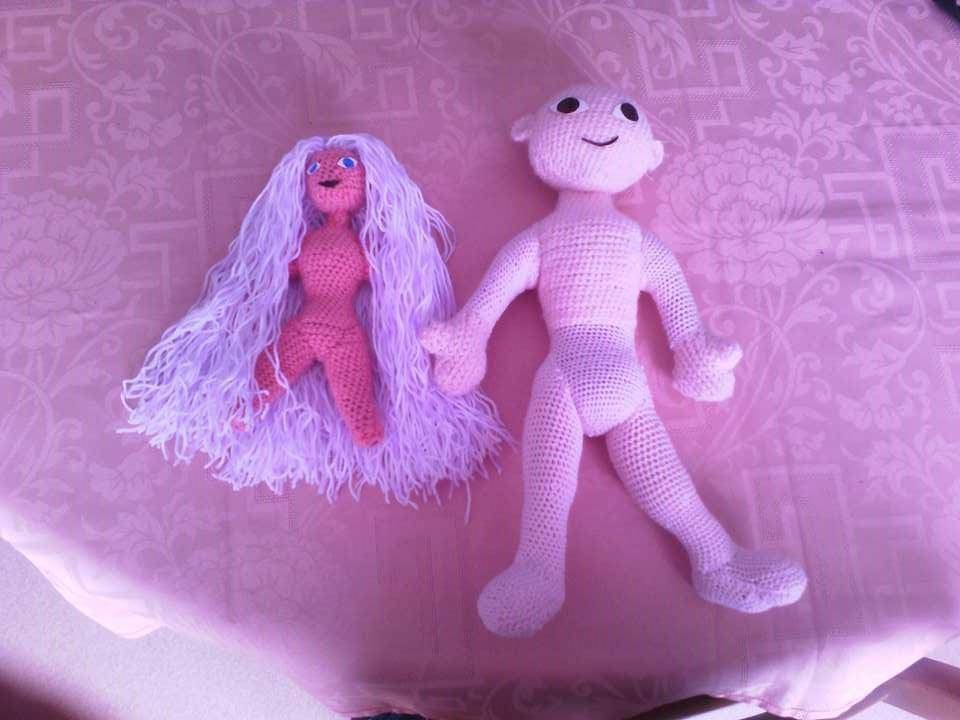 tuto gratuit :début de visage sur ma poupée de laine articulée et  elfe en laine