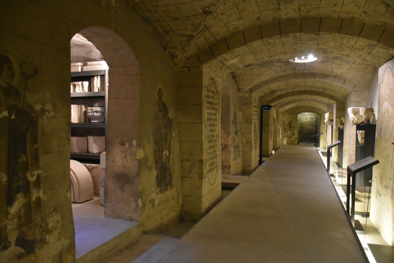 La crypte de Boulogne sur mer&#x3B; début de la visite