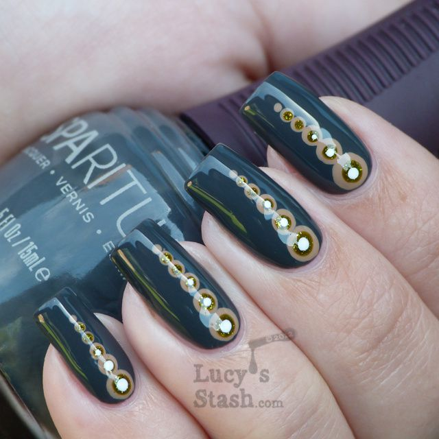 Lucy's Stash - Nail art dotticure with SpaRitual Basalt