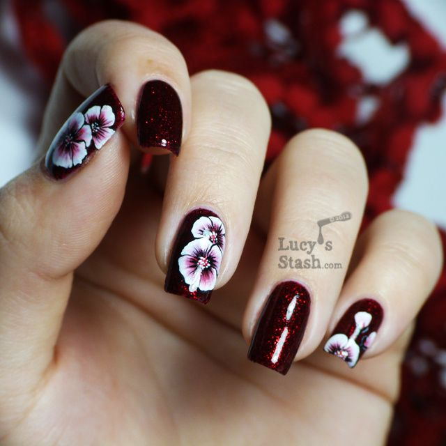 One stroke nail art flowers over Shimmer Marylin - Lucy\'s Stash