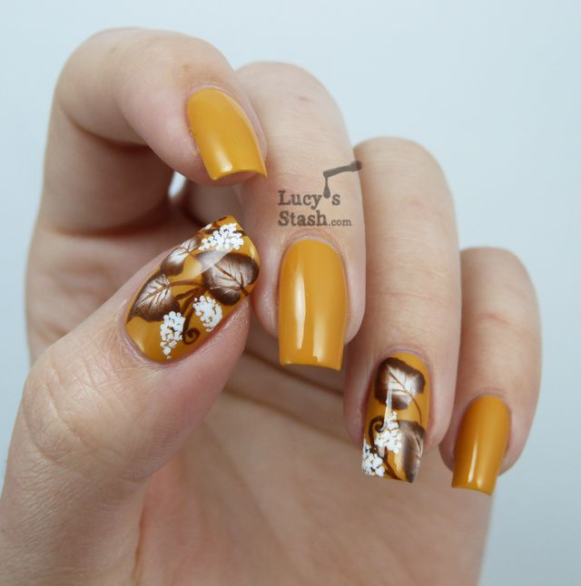 Autumn is definitely here.... one stroke autumn nail art