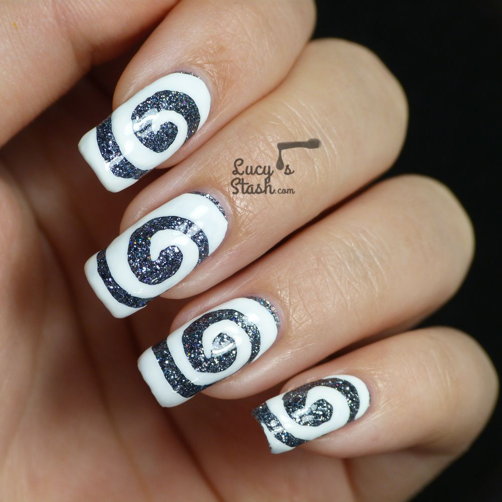 Swirly Nails feat. Cirque Chainmail