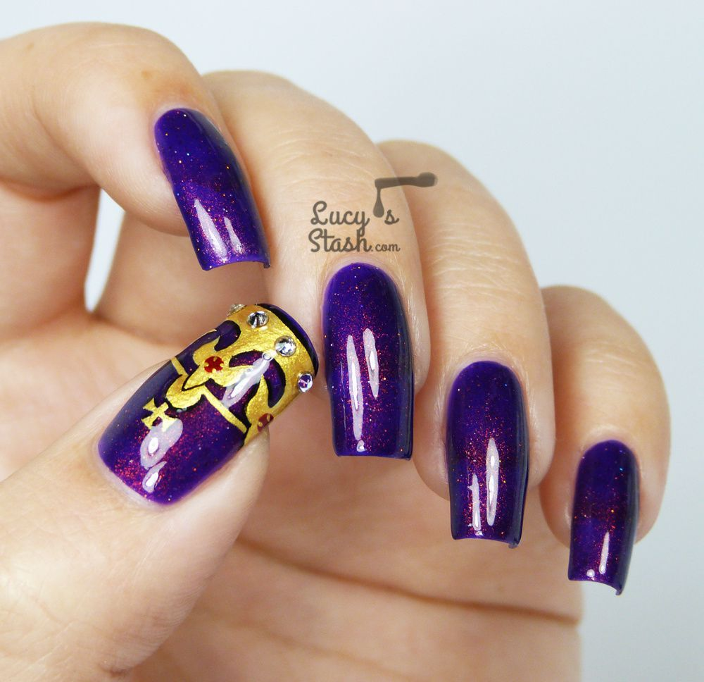Crown Nail Art Design feat. Cirque Coronation