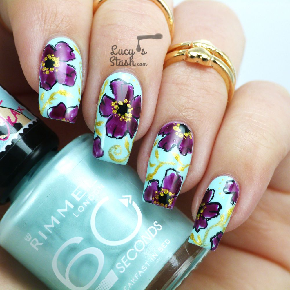 How about a floral nail art today?